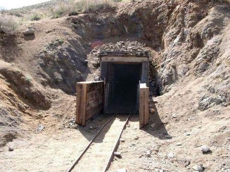 Burro-schmidt-tunnel2